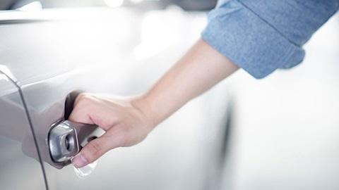Wat betekent de coronacrisis voor je autoverzekering?
