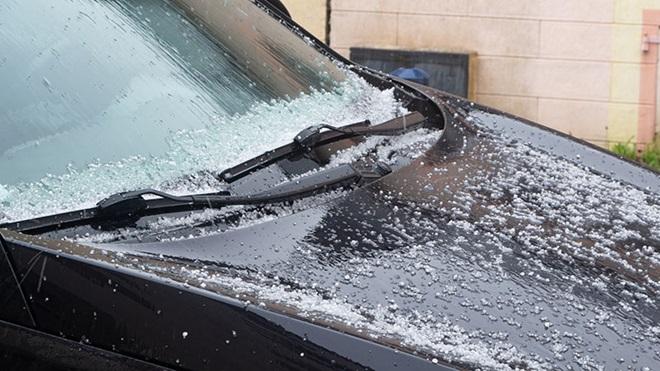 wat te doen bij schade aan auto door hagel